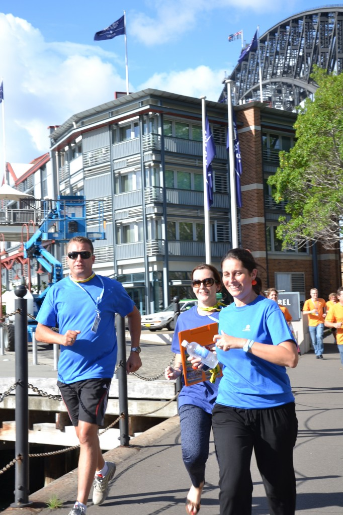 Amazing Race Teams racing to the finish line in The Rocks
